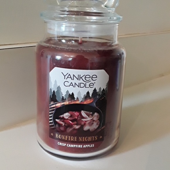 Yankee candle crisp campfire apples candle